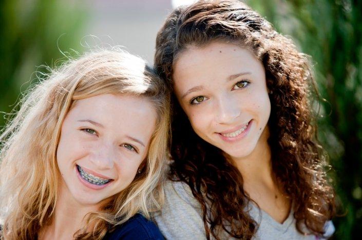 Családos kezelések: páros fogszabályzás