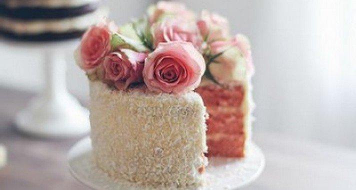 Gondolatok az esküvői tortáról és a desszertasztalról