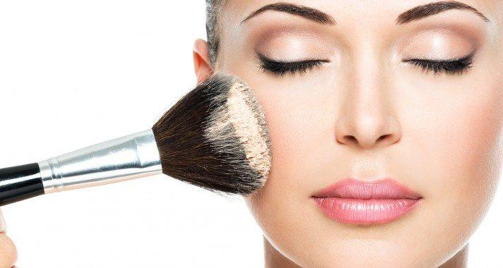 10 szépséghiba, amit csak a nők vesznek észre
