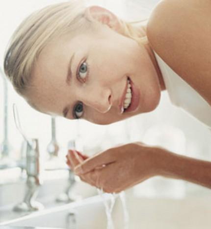 5 arctisztító szokás, amivel csak ártasz a bőrödnek