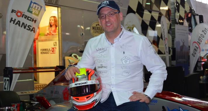 Interjú Stern Rolanddal, a Gender Racing Team pilótájával