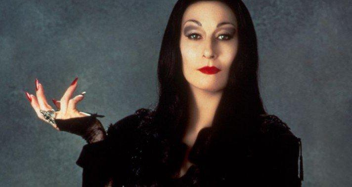 Az Addams Family Morticiája - Anjelica Houston 65 éves